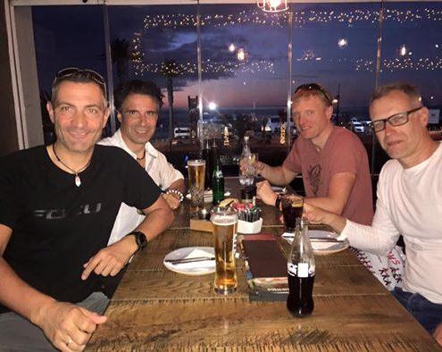 gemeinsames Essen mit dem 2ten Team